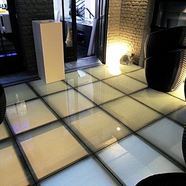 Mezzanine vitrée ( verre opalin )